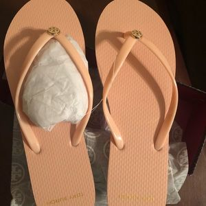 Tory Burch Logo Flip Flop in Blush Pink